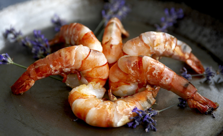 King prawns or scampi with lavender